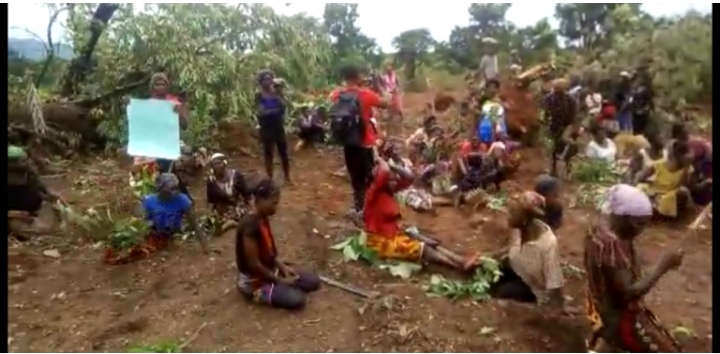 Obudu Cargo Airport: Women Protest As Community, Government Face-Off (Video)